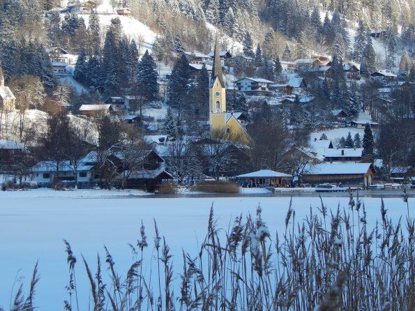 Foto Andreas Rossteuscher, Schliersee mit Blick auf die Kirche St. Sixtus