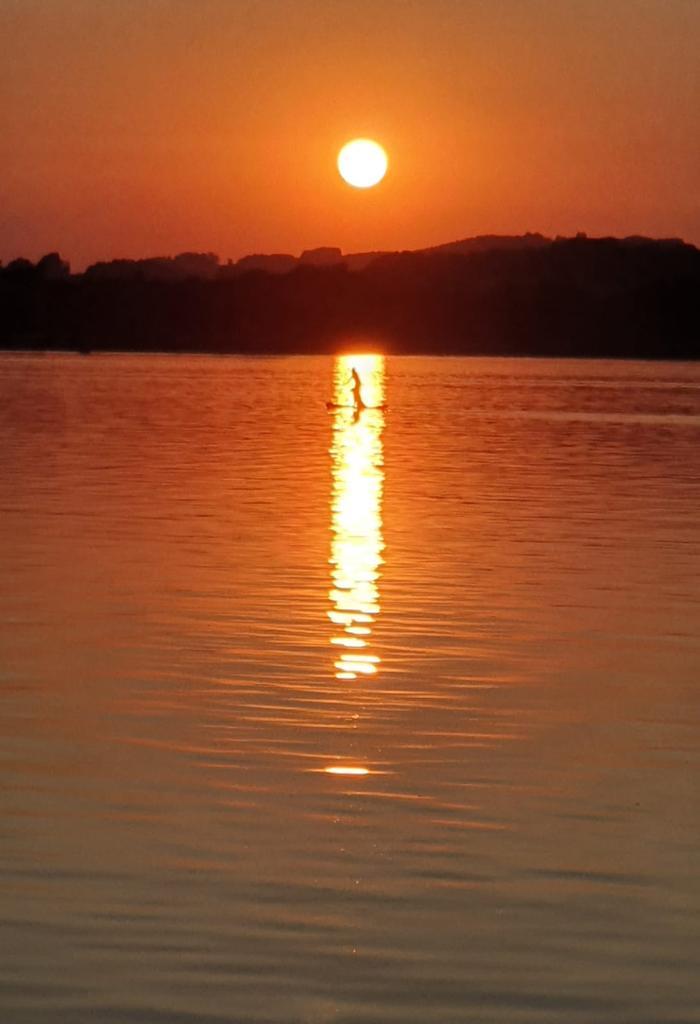 Sonnenuntergang_mit SuP_Chiemsee freigegeben für
